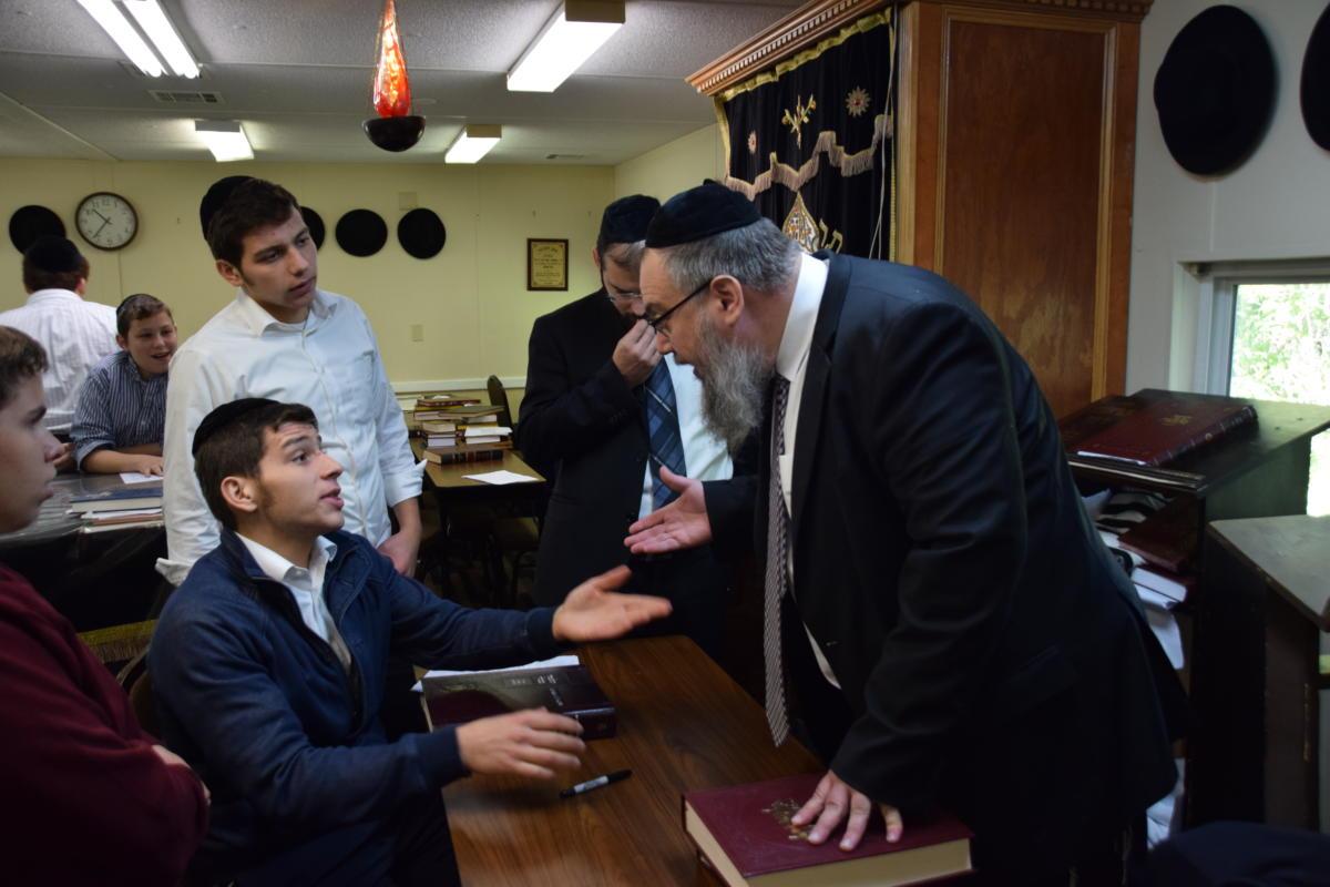 Milchamta-Shel-Torah