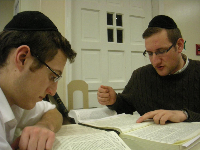 BM-Boys-Learning-Seder